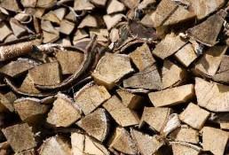Polttopuu hinta klapi hinta polttopuu hinta vertailu – mitkä asiat vaikuttavat polttopuun ja klapien hintaan?
